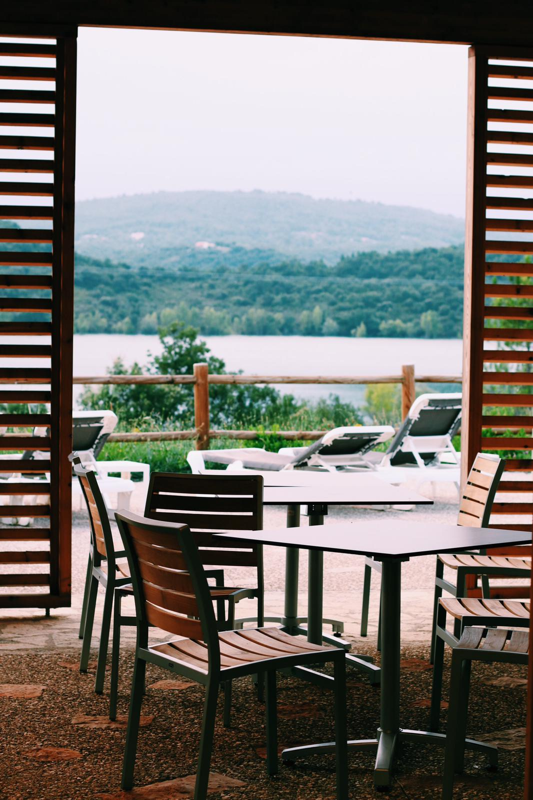 Terrasse du restaurant Le Ponton @jlbarizona