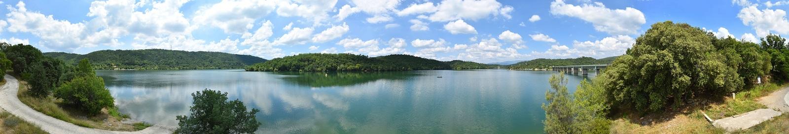 Panorama du Lac de Saint-Cassien le jour